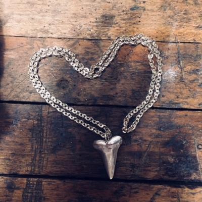 Kettingen en hangers massief zilver
